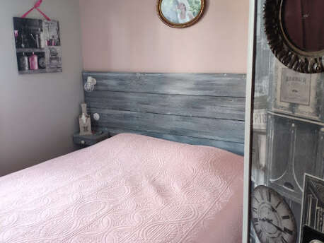 Tête de lit planche de coffrage sapin Effet bois grisé