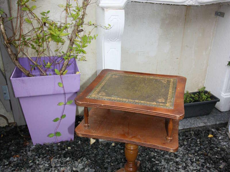 Bout de canapé dessus cuir, placage chêne foncé - 10€