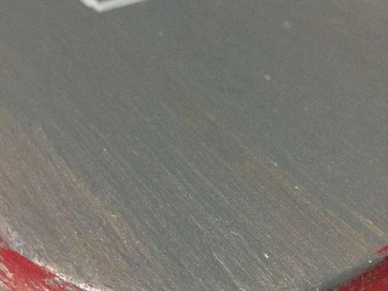 Patine bi-color et pochoir carreaux de ciment sur table d'appoint