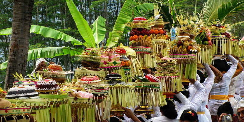 Balinese offerings-3f5a596f-c9a2-4001-b523-0e8016570e28-1000x500