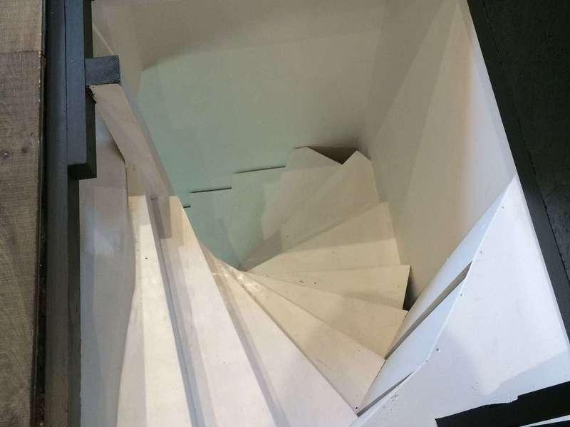 AMF Menuiserie, escalier en bois sur mesure. Fabrication, réparation et entretien