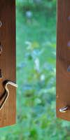 la maison du menuisier, Installation de volets à Anor