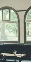 la maison du menuisier, Installation de fenêtres à Ferrière-la-Grande