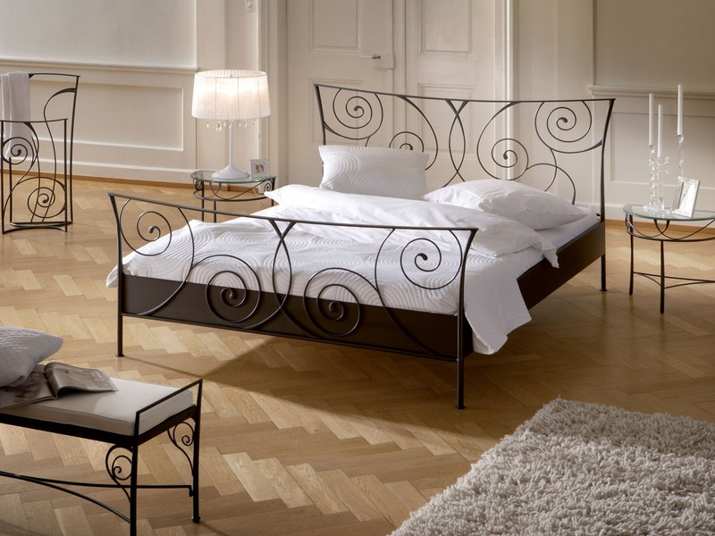 hasena-romantic-cerello-solid-wrought-iron-bedside-table.jpeg
