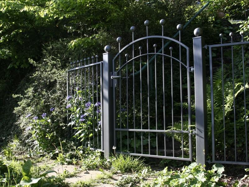 garden-gate-116918.jpeg