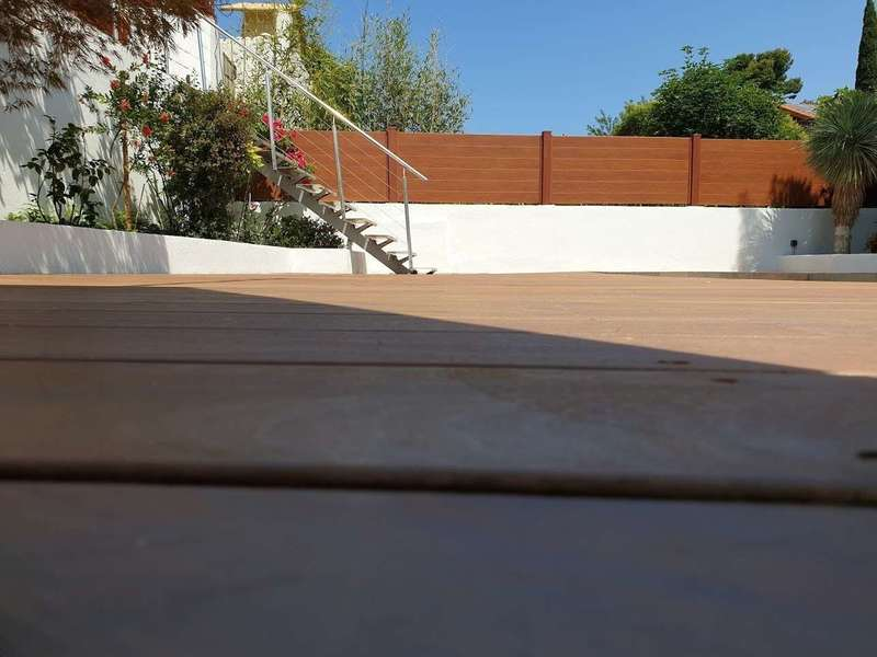 mise-en-place-de-terrasse-en-bois-marseille-13011.jpeg