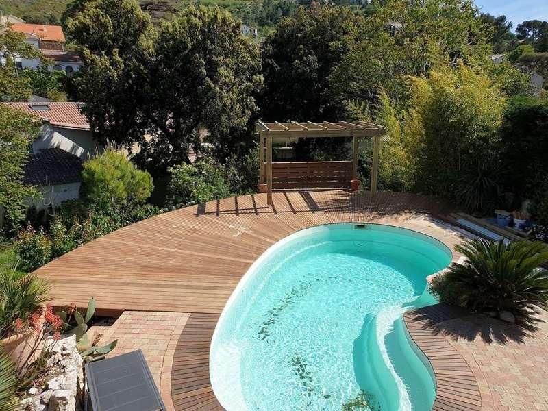 installation-plages-et-decks-de-piscine.jpeg