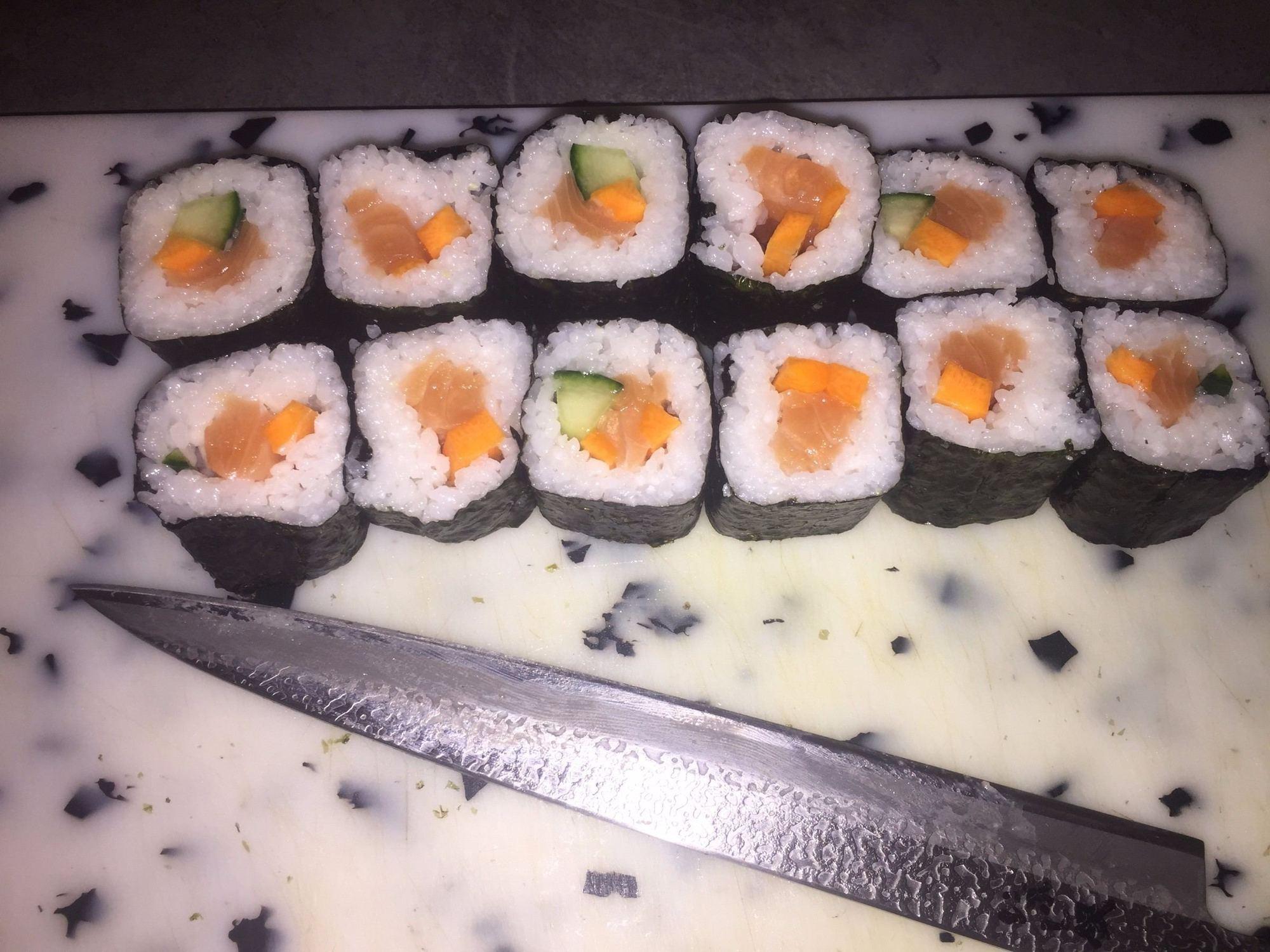 maki mix japonais sushi cacher livraison domicile blog. Black Bedroom Furniture Sets. Home Design Ideas