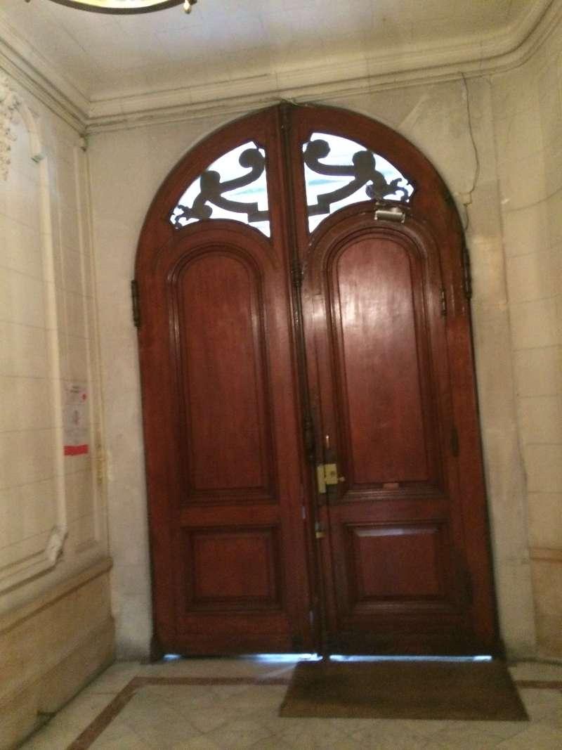 Porte haussmannienne en bois sur mesure