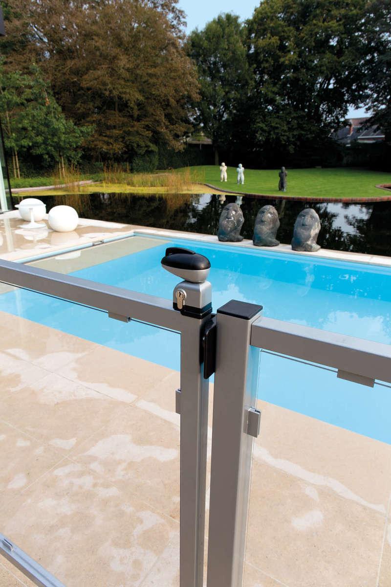 Serrure pour portillon de piscine  Réf  TWIST 40