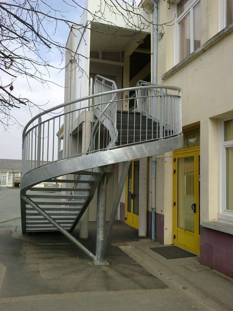 b_thanie_-_escalier