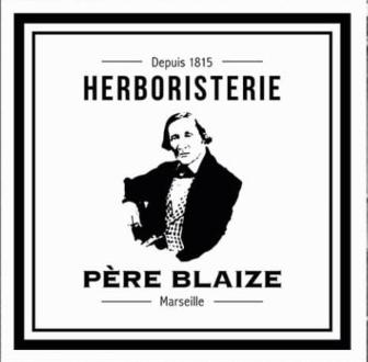 INSTITUTION MARSEILLAISE, L'HERBORISTERIE DU PÈRE BLAIZE A ÉTÉ CRÉÉE EN 1815, PAR TOUSSAINT BLAIZE En ouvrant son herboristerie rue Méolan, au cœur de la ville, ce savant guérisseur venu des Alpes de Haute Provence fait alors connaître aux Marseillais les vertus de la phytothérapie, l'art de soigner avec les plantes. Pendant près de 2 siècles, l'officine sera dirigée par les descendants de son fondateur, sur six générations. Aujourd'hui devenu pharmacie-herboristerie, le fameux magasin partage toujours son savoir-faire unique, et continue de proposer des milliers de produits, plantes médicinales, herbes et formules naturelles, contribuant à forger la réputation d'une enseigne chargée d'histoire.