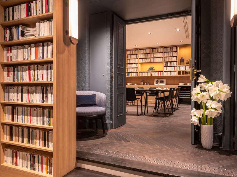 hotel_square_louvois_-_entr_e_espace_s_minaire