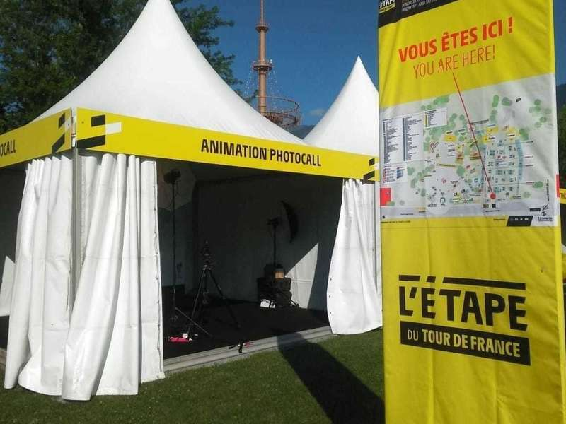 tente-animation-photocall-tour-france-2019-albertville-photoproevent.jpeg