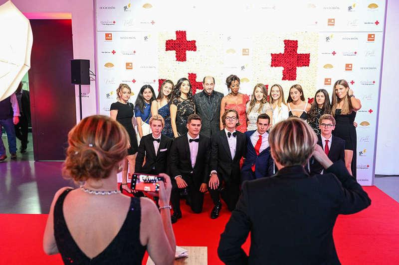 Photocall sur le tapis rouge - Bal de la Croix Rouge 2019