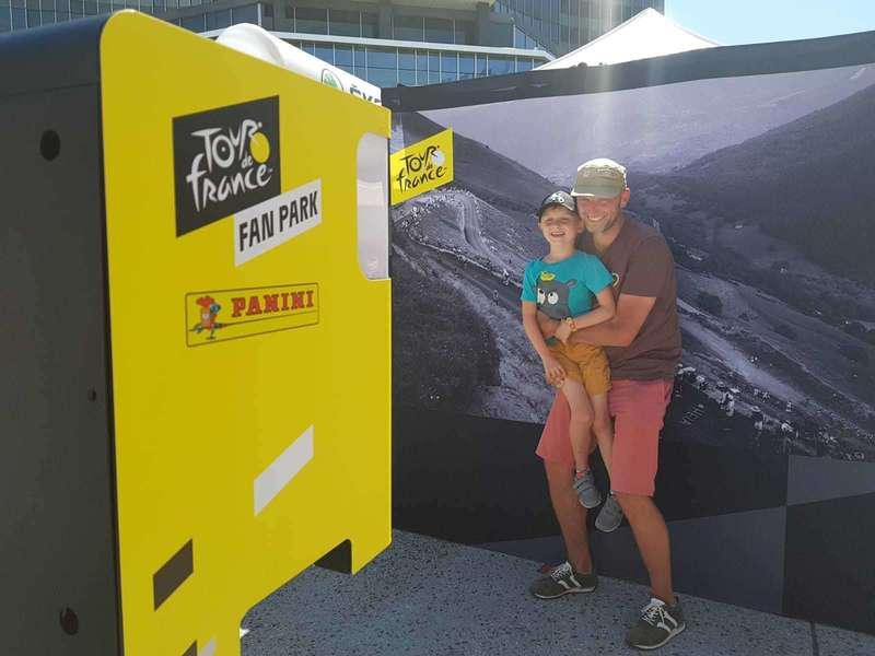 participants-photo-borne-photobooth-tour-france-2019.jpeg