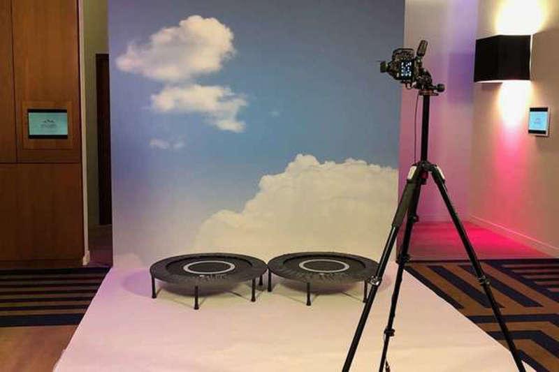 Décor animation Jump Studio pour Evian