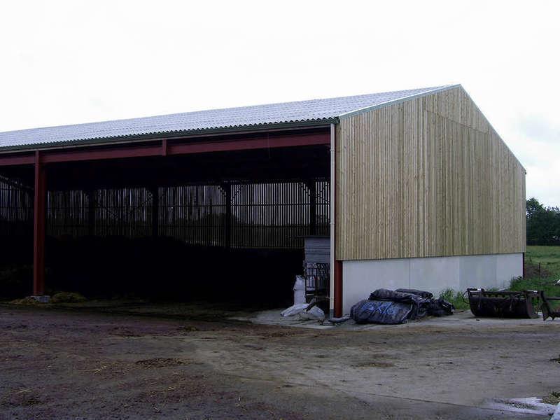 bardage_en_bois_sur_batiment_agricole