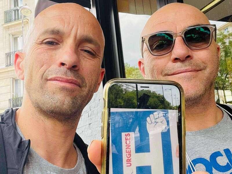 Mouss et Hakim, chanteurs de Zebda