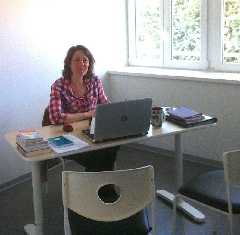 Celine Gay dans son cabinet de naturopathie
