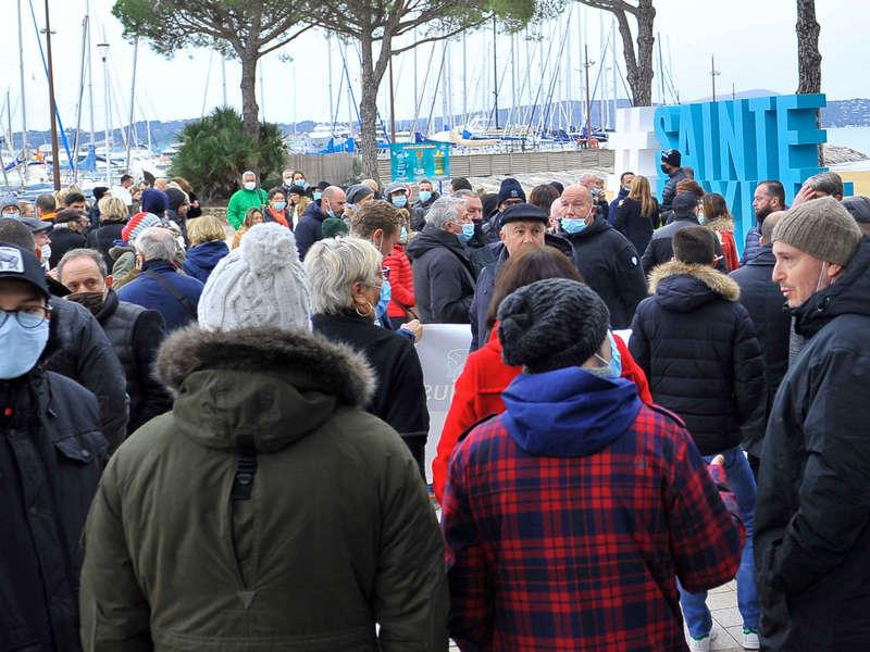 sainte-maxime-photos-manifestation-restaurant-5-decembre-20_93
