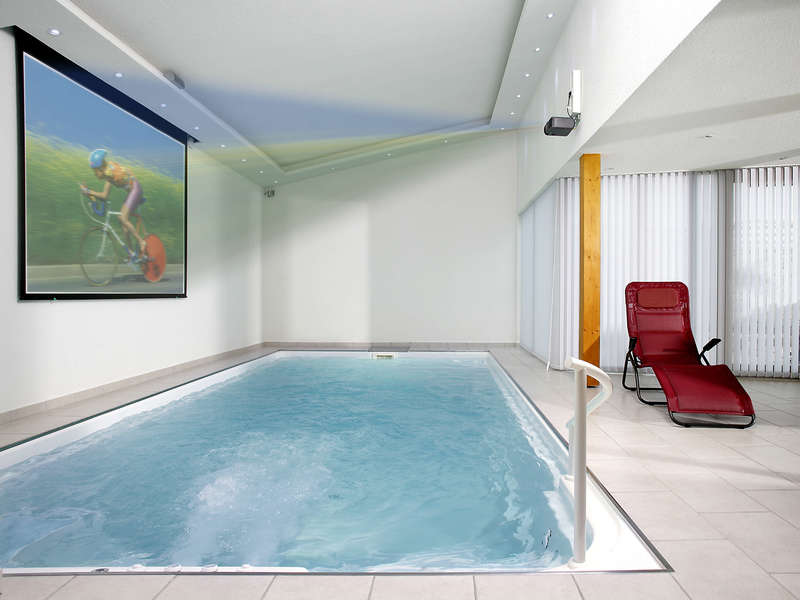 18_-_piscine_interieure_classique_-_riviera_pool