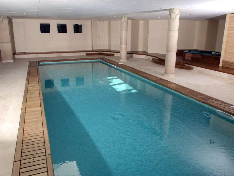 08_-_piscine_interieure_classique