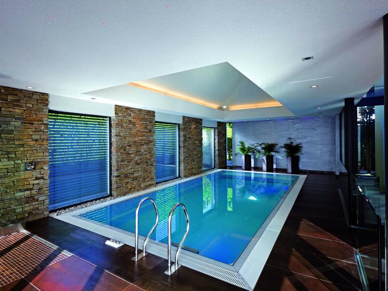 02_-_piscine_interieure_classique_-_riviera_pool