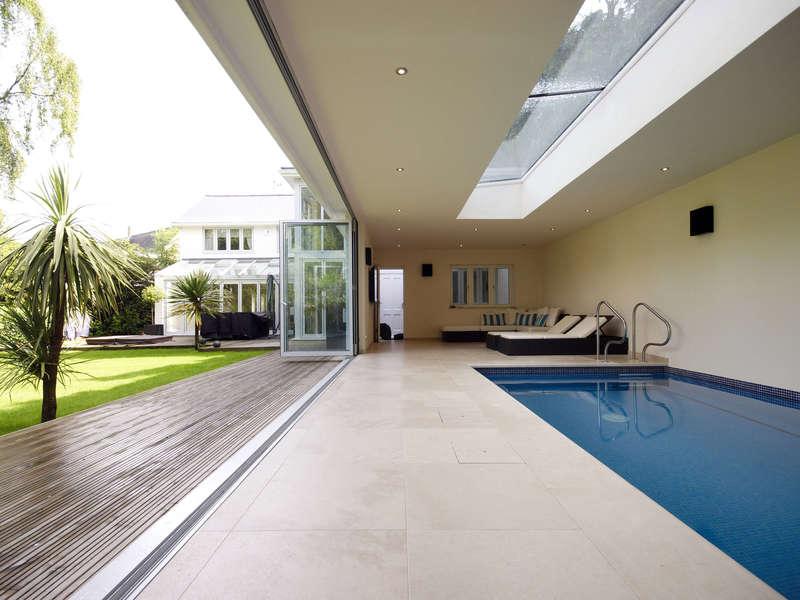15_-_piscine_interieure_classique_-_beltrami
