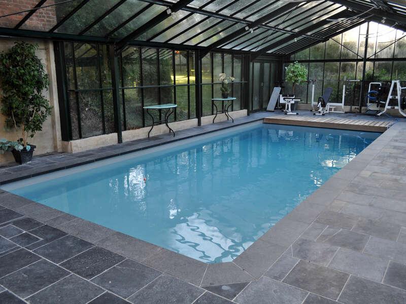 02_-_piscine_interieure_veranda