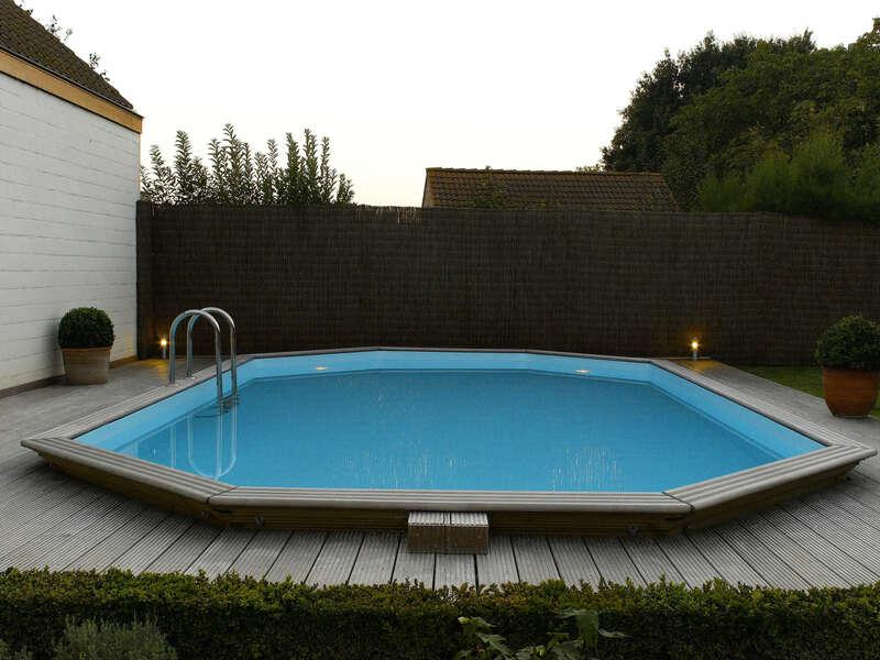 08_-_piscine_exterieur_bois_ovale_-_gardipool