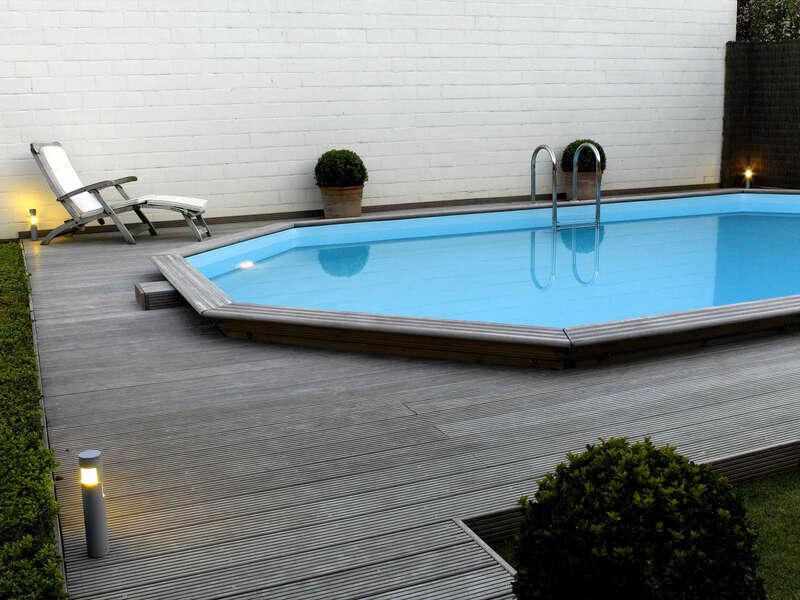 09_-_piscine_exterieur_bois_ovale_-_gardipool