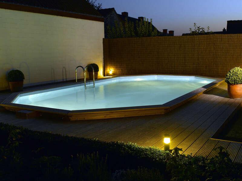 10_-_piscine_exterieur_bois_ovale_-_gardipool