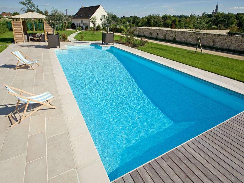 47_-_piscine_exterieur_rectangle