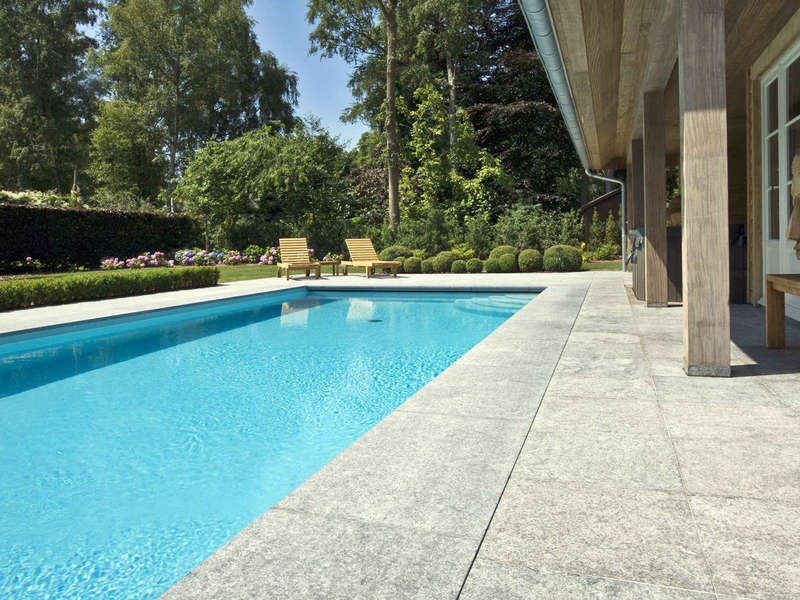 19_-_piscine_exterieur_rectangle_-_stone