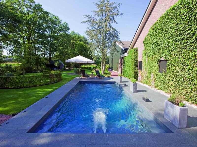 18_-_piscine_exterieur_rectangle_-_riviera_pool