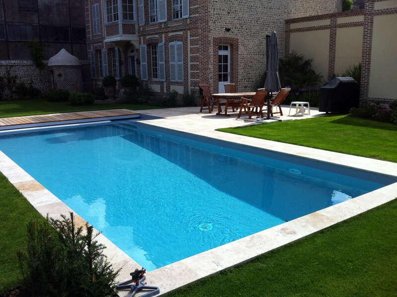 36_-_piscine_exterieur_rectangle