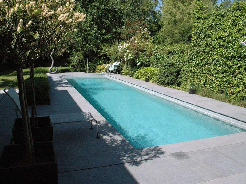 09_-_piscine_exterieur_couloir_de_nage