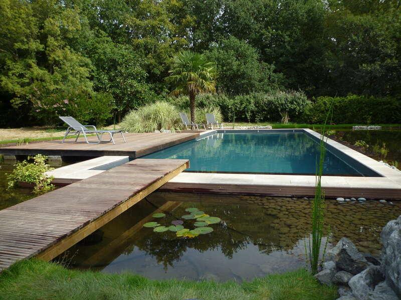 14_-_piscine_exterieur_naturelle