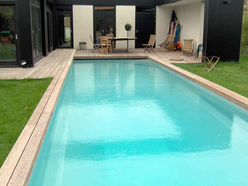 08_-_piscine_exterieur_couloir_de_nage