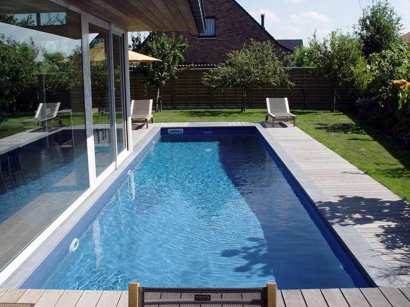 06_-_piscine_exterieur_couloir_de_nage
