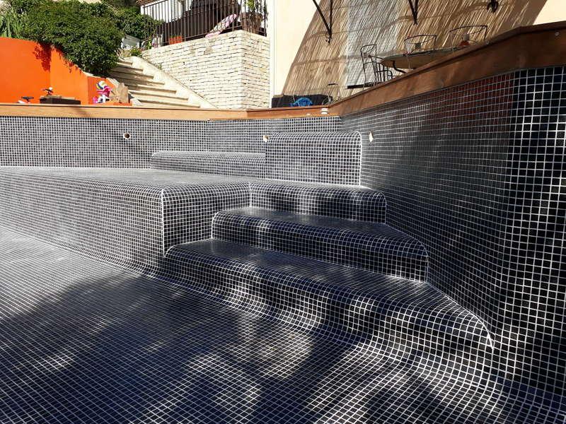 _scalier_piscine