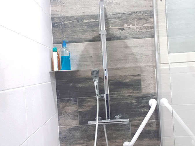 sarl-julien-gris-salle-de-bain-douche-pmr-2