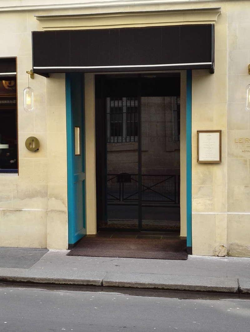 Hôtel LE ROCH, Porte Automatique. www.leroch-hotel.com
