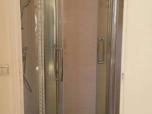 salle-de-bain-adapt-personne-mobilit-rduite-3-147126