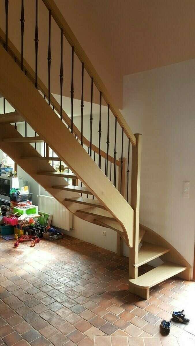 Escalier 1/4 tournant en chêne, balustres barreaux fer - No 12 Fabricant d'escalier sur mesure - Stéphane LESEUR, menuisier en Seine Maritime, Eure et Yvelines