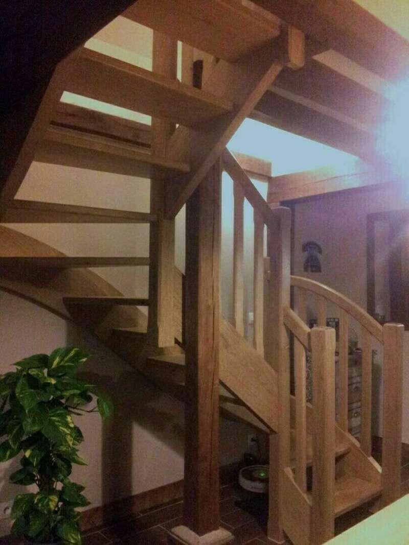 Escalier 2/4 tournants en chêne - No 29 Artisan spécialisé en fabrication d'escalier sur mesure basé en Seine Maritime
