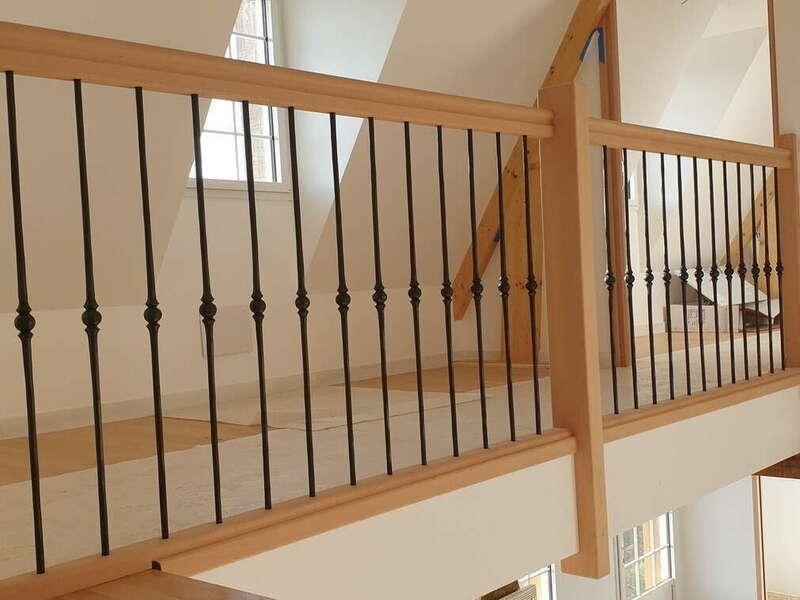 Garde-corps en hêtre, barreaux fer forgé - No 68 Fabricant d'escalier en Seine-Maritime, Stéphane Leseur