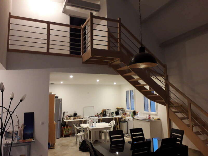 Escalier 1/4 tournant avec palier en hêtre, balustres tubes inox - No 8 Fabricant d'escalier en Seine-Maritime, Stéphane Leseur