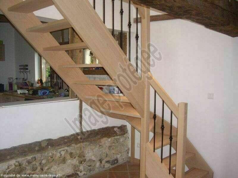 Escalier 1/4 tournant bas en hêtre, balustres barreaux fer - No 45 Artisan menuisier - escaliers sur mesure en Seine-Maritime, Stéphane Leseur